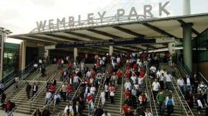 La estación de Wembley Park tras el amistoso Inglaterra-Brasil
