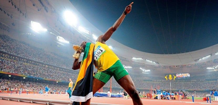 Deportista olímpico celebrando su victoria