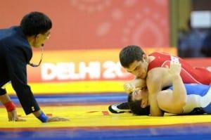 Myroslav Dykun compitiendo por Inglaterra